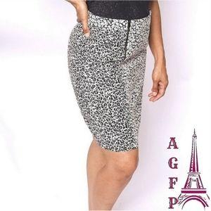 Ann Taylor leopard print pencil skirt, size 6